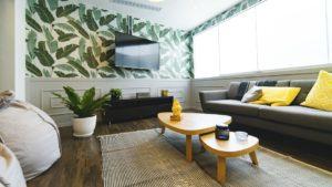 wygodna sofa tapicerowana z funkcją spania