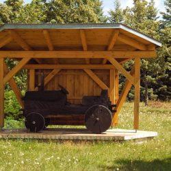 wiata z drewna na samochód